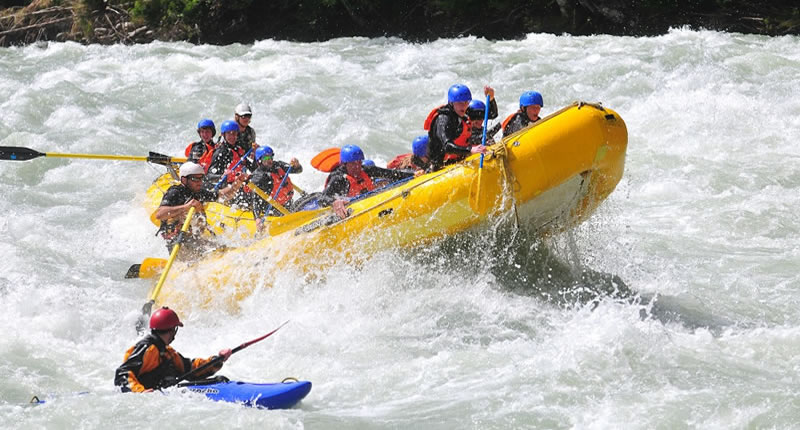 Squamish white water rafting